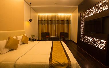 paradise hotel pune